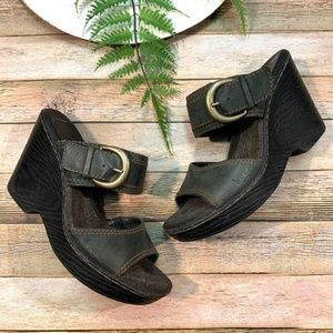 B.O.C. BORN CONCEPTS Sz 8 Wedge Sandals Leather
